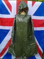 NEW ARMY MILITARY OLIVE PONCHO WITH HOOD SIZE LARGE