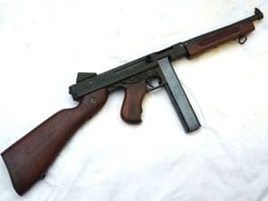 Deactivated American Thompson M1A1 submachine-gun, early spec SOLD