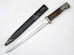 Mauser G98 S1884/98 bayonet and scabbard, dated 1915 **SOLD**