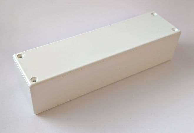 Small Narrow Boxwith Removable Lid White (FT31W)