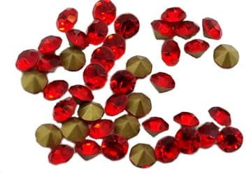 Light Siam Bright Red Foiled Chatons, EIMASS® Point Back Crystals