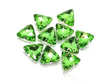 Peridot Green Triangle, EIMASS® 3511 Sew or Glue on Glass Crystals in Silver Casings