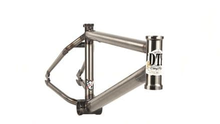 "S&M DTF Frame 21.25"" Gloss Clear"