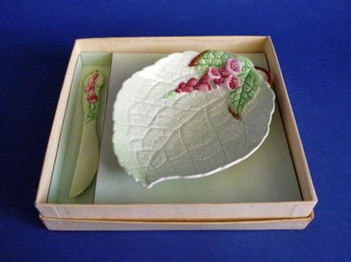Carlton Ware Green 'Foxglove' Butter Dish and Knife Boxed Gift Set c1940