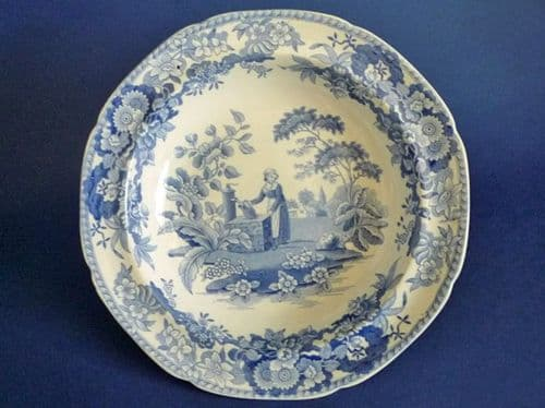 Lovely Spode 'Girl at the Well' or 'Font' Pattern Soup Plate c1825