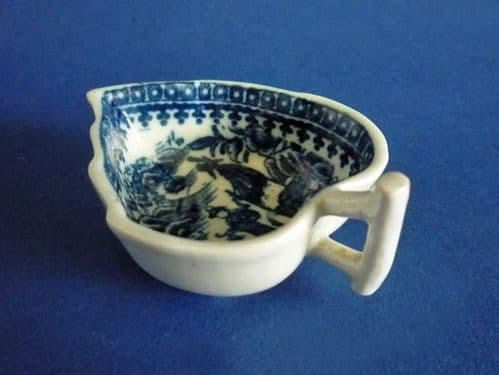 Rare Caughley 'Fisherman' Pattern Small Butter Boat c1780