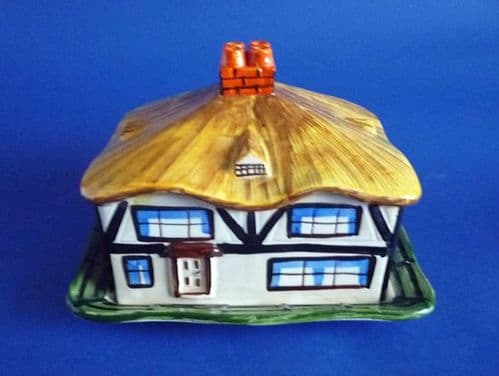 Rare Hancock's Art Deco 'Ivory Ware' Thatched Cottage Cheese Dish c1930
