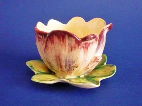 Shorter and Son 'Water Lily' Posy Vase c1939
