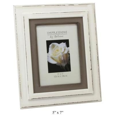 Shabby Chic Photo Frame - White Wooden Distressed Photo Frame - 4 x 6