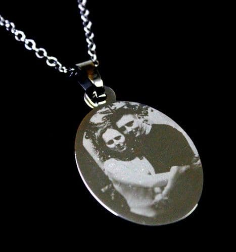 Stainless Steel Oval Engraved Photo Pendant