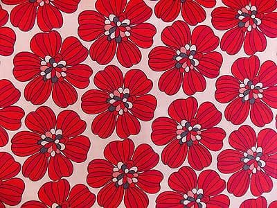 LARGE RED  FLORAL100% COTTON FABRIC PER METRE RETRO WHITE BACKGROUND