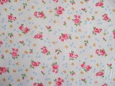 ROSE FLORAL100% COTTON FABRIC SHABBY CHIC VINTAGE RETRO PER METRE IVORY NO2