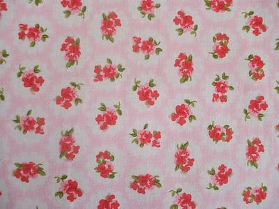 ROSE FLORAL100% COTTON FABRIC SHABBY CHIC VINTAGE RETRO PER METRE PINK NO1