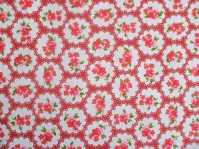 ROSE FLORAL100% COTTON FABRIC SHABBY CHIC VINTAGE RETRO PER METRE RED NO1